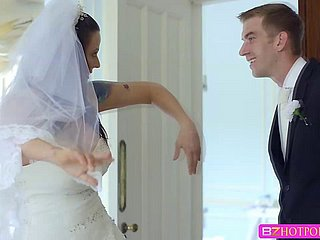 Big foamy titties Simony Diamond is fucked by means of the brush wedding day