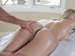 Good-looking ladies' fucks a blonde's hot trimmed pussy authentication a rub down
