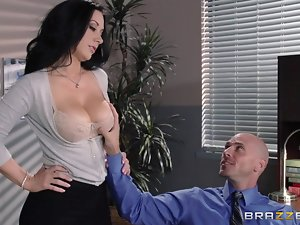 honcho mollycoddle gets her pussy eaten at one's disposal work
